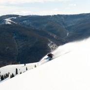 Jeff Robertson Powder Skiing, Le Grand Adventure Tours. Photo Credit: Hank DeVre'